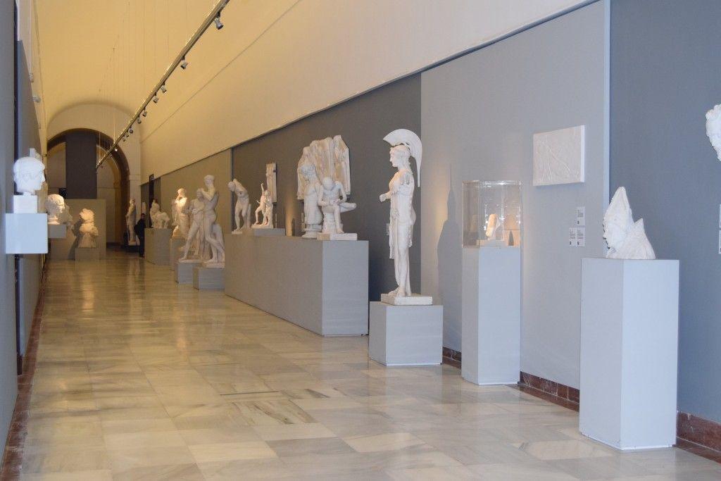 pasillo de la gipsoteca de la Universidad de Sevilla - Los viajes de Margalliver